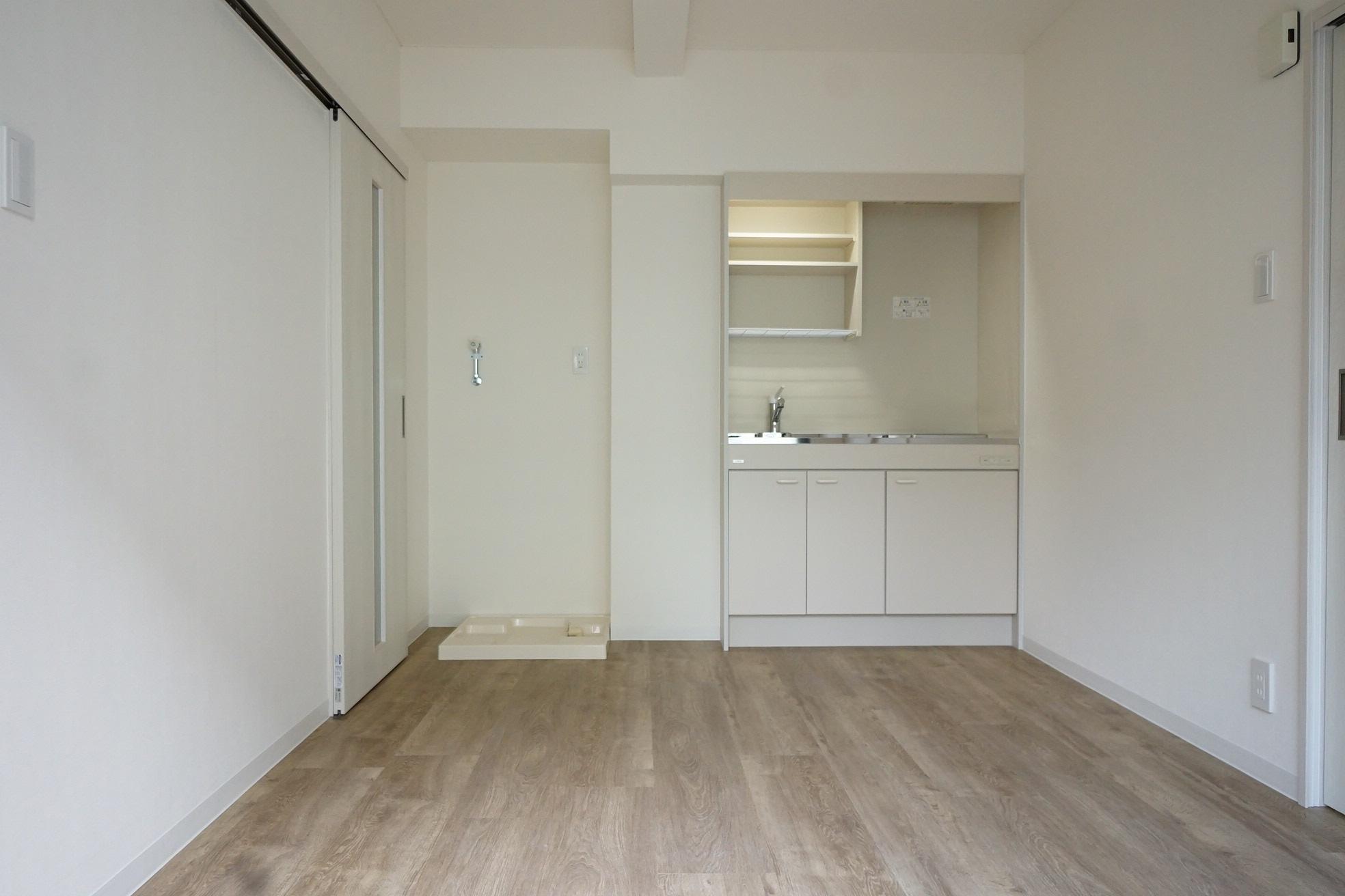 木の素材を活かした居室とエレガントな共用部のコントラスト