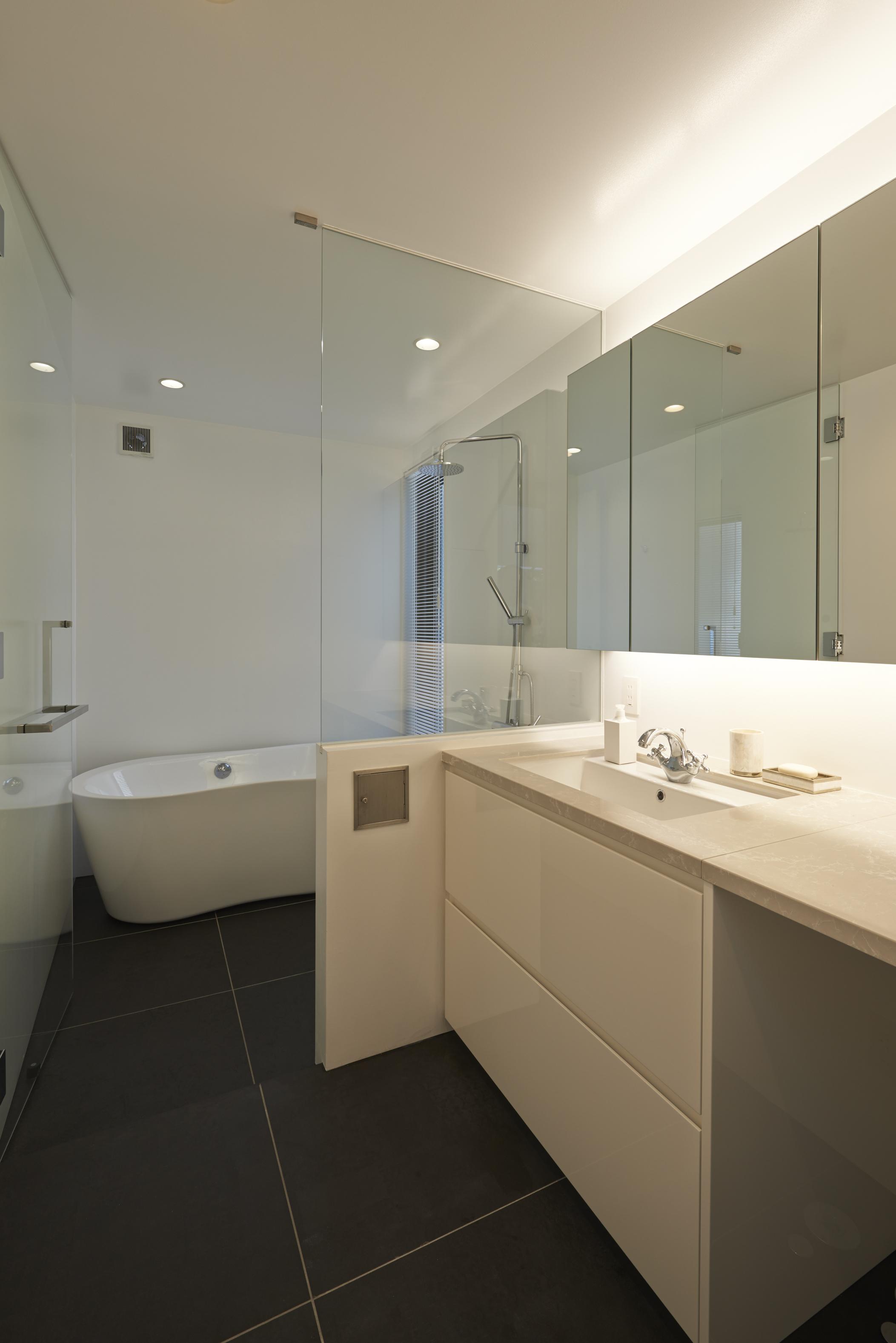 【ARK HOUSE モデルハウス】15坪弱の狭小地にRC造3階建の挑戦