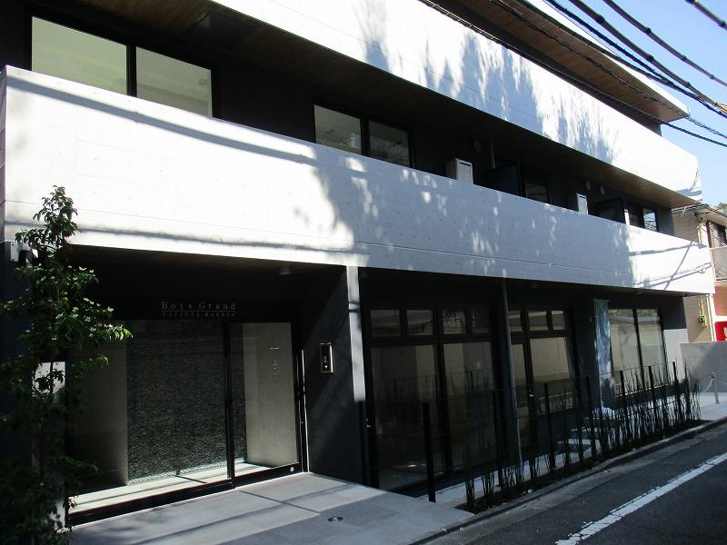 上質な古くて新しい建築 複合商業ビル